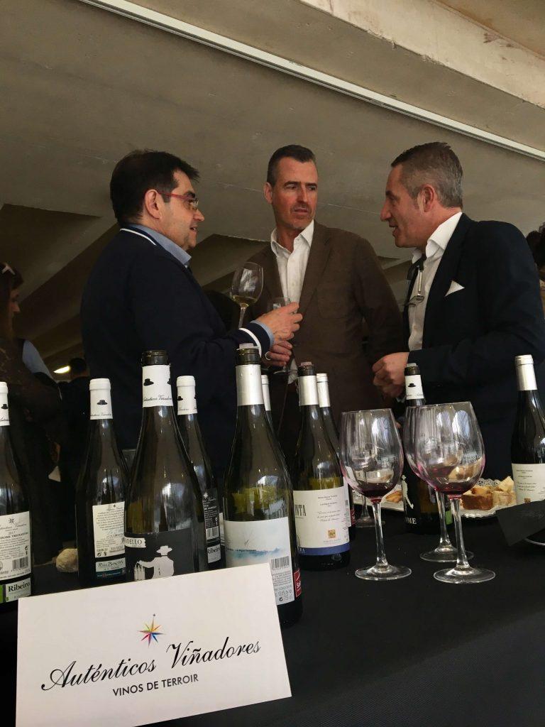 Juancho Asenjo, crítico de vino especialista en vinos italianos y nuestro amigo Manuel C. Lara Delgado.