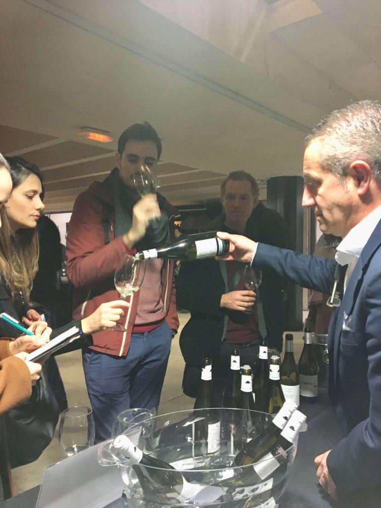 Asistentes profesionales que se interesan por nuestros vinos de terroir